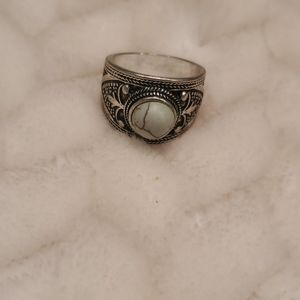Fashion ring with teal stud